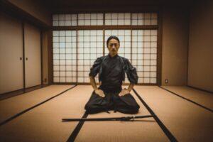 Samurai en Seiza en el dojo